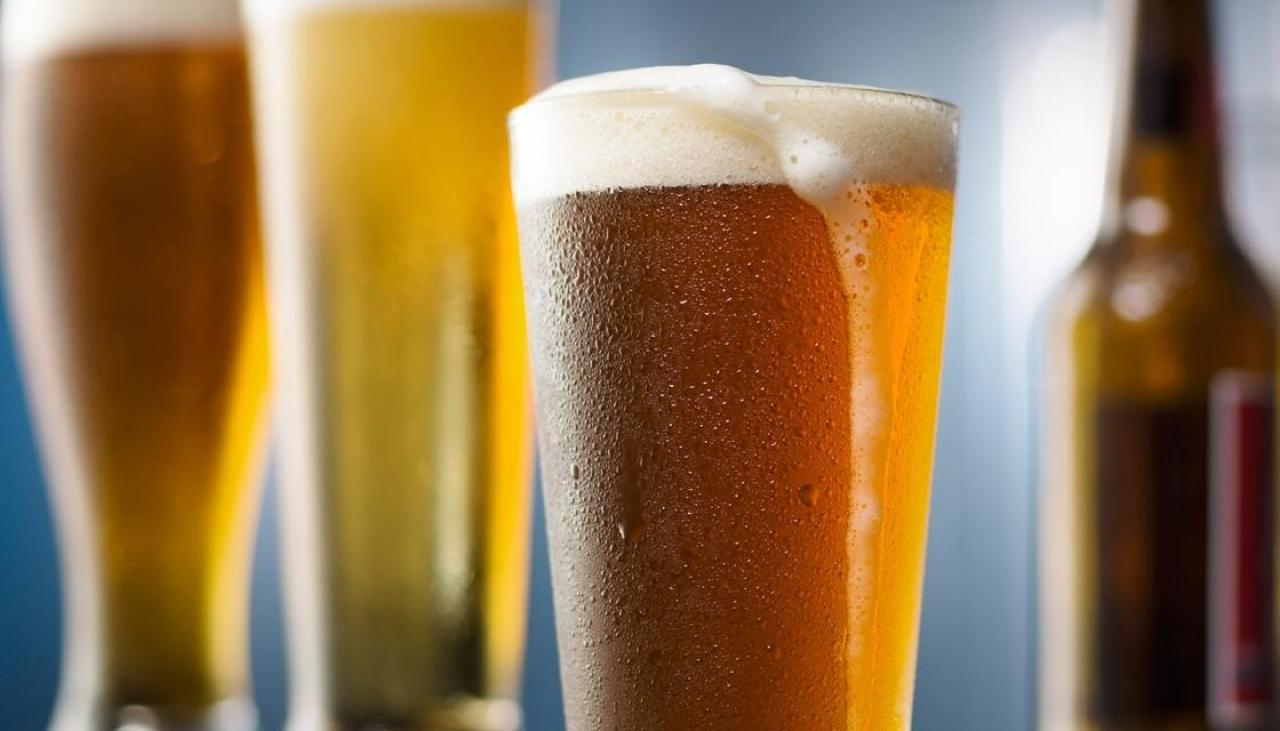 Two beers are just as effective as paracetamol, says study