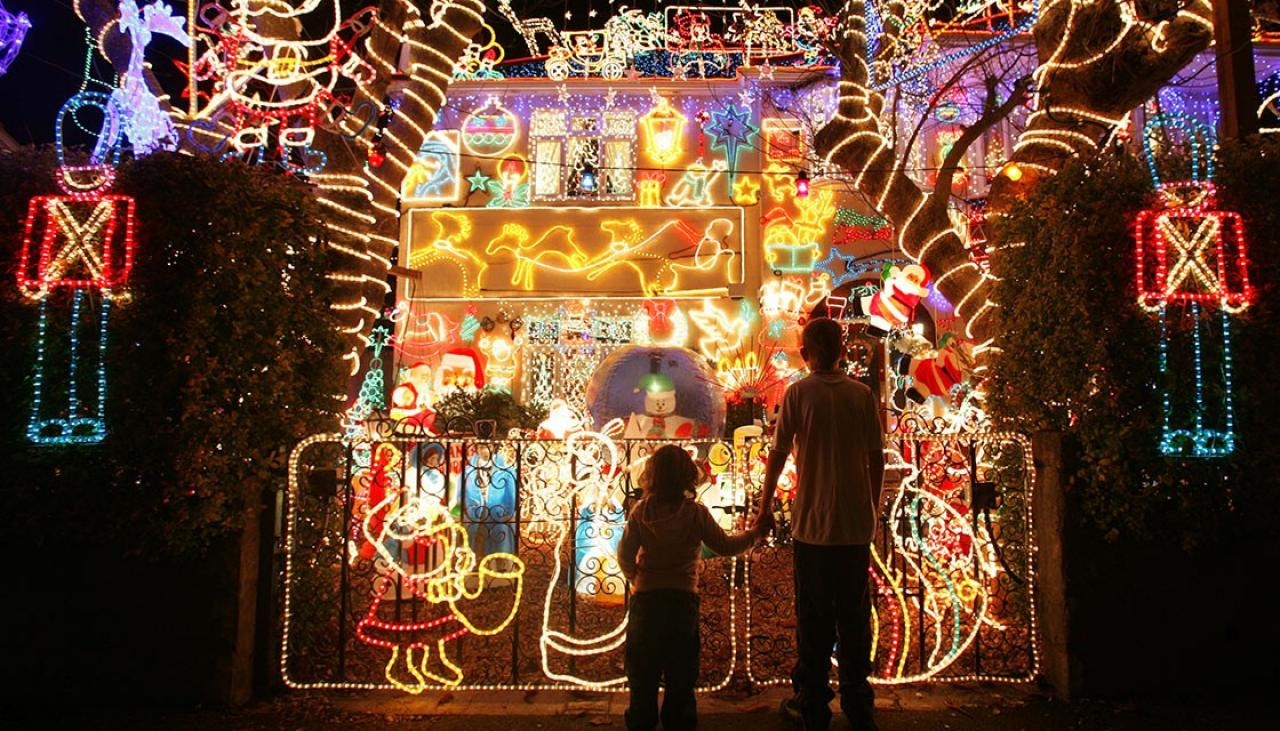 The Best Places To See Christmas Light Displays Around The